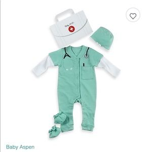 3/$20 Baby aspen doctor costume, outfit only, 0-6